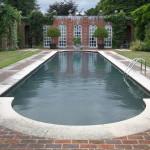 Oranjerie met zwembad, Woolbeding Gardens (Engeland, Midhurst) [Foto: Pieter Boogaart]
