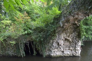Rotsbrug en grot in Boekenbergpark, Antwerpen-Deurne