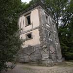 Scheve Huis, de tuinen van Bomarzo (Italië, Bomarzo) [Foto: Eric Denig]