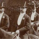 Anthonij Browne, eigenaar Heuveloord, te paard (links op foto)
