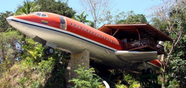 Boeing als onderkomen, Nationaal Park Manuel Antonio (Costa Rica ) [Foto: Hetty Wilming]