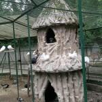 Dierenverblijf, Jardin Henri Vinay (Frankrijk, Le Puy-en-Velay) [Foto: Hetty Wilming]