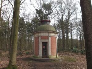 Koepel (Belgie, West-Vlaanderen, Beernem) [Foto Miriam Vermey]