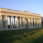 Collonade (Tsjechië, Lednice) [Foto: Hetty Wilming]
