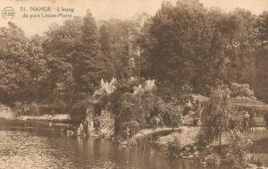 Vijver en grot park Louise-Marie (Belgie, Namen)