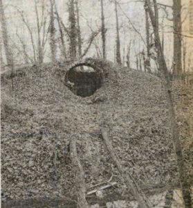 Voerendaal, kasteel Haeren, koepel vervallen grafkelder 1983